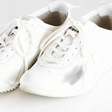 汚れのついた靴